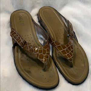 Ecco Croc Thong Sandals Adjustable Strap Size 40